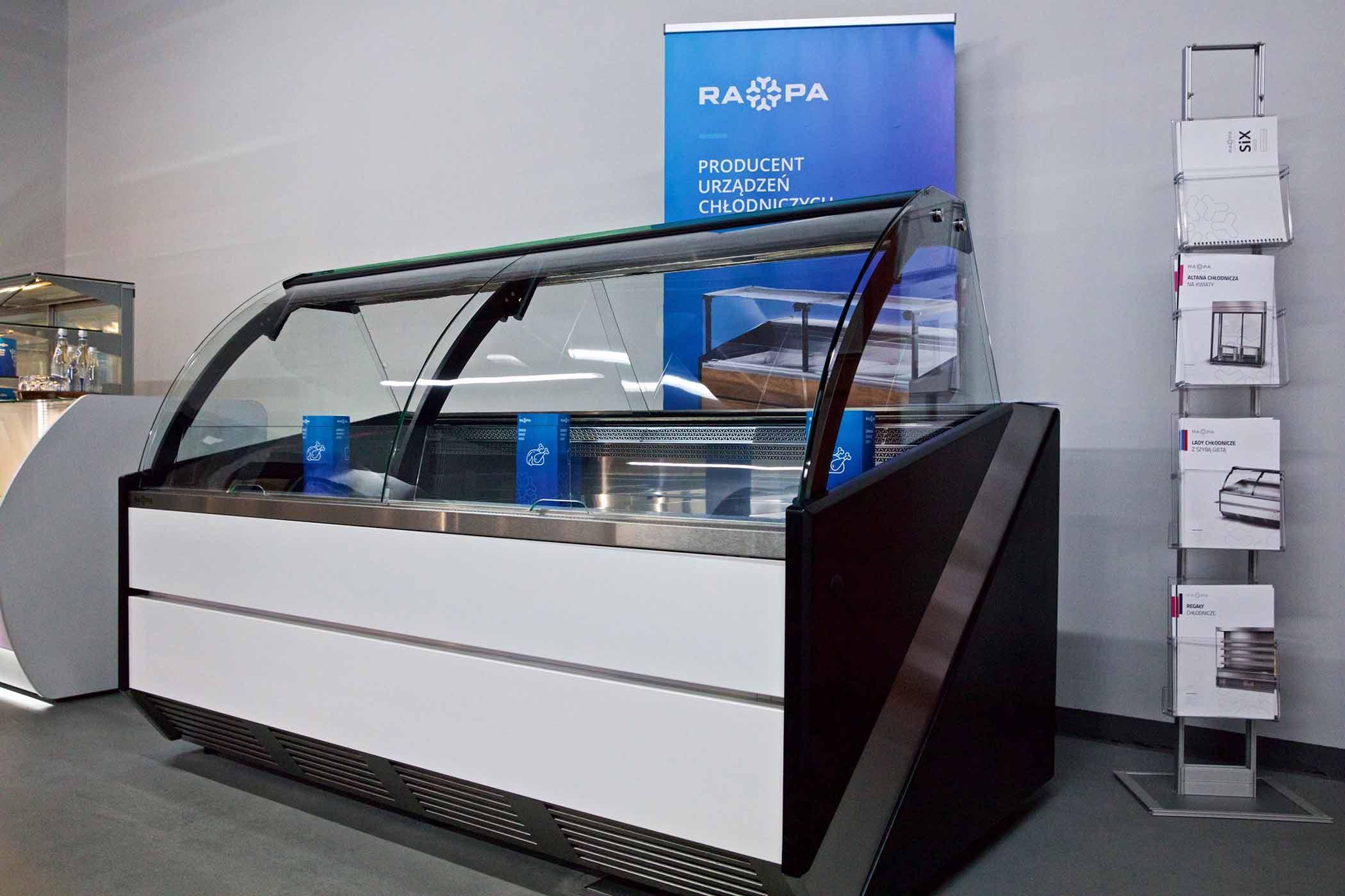 Strategia wzornicza firmy RAPA - modułowe lady chłodnicze